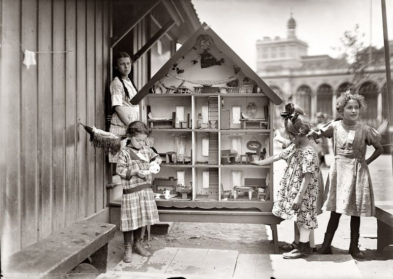 loc_carnegie-playground-dollhouse