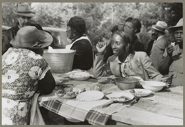 liveseasoned_spring2014_picnic