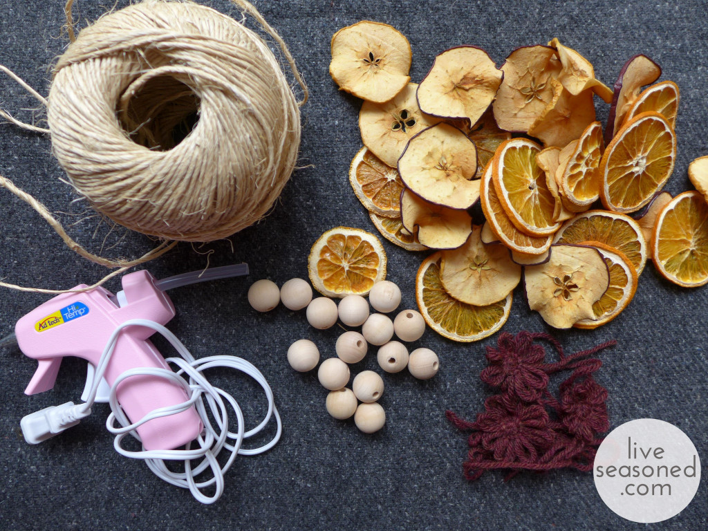 liveseasoned_fall2014_fruitgarland10_wm