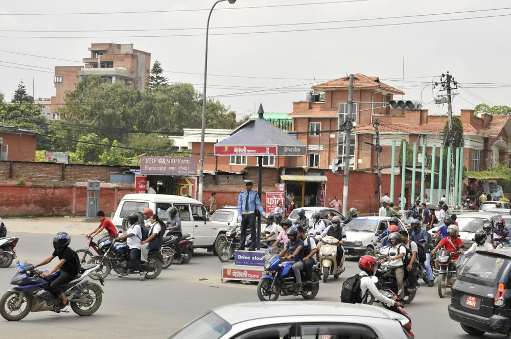 liveseasoned fall15 kathmandu nepal traffic 6