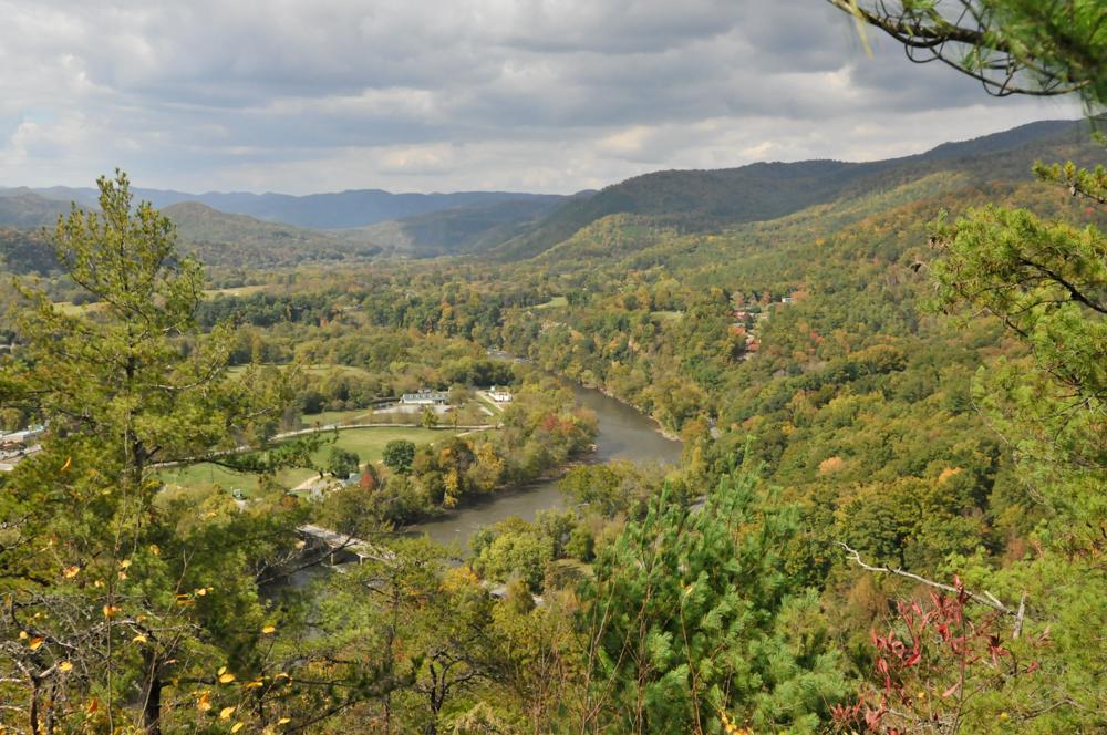 liveseasoned fall15 welcome november hiking-1-2