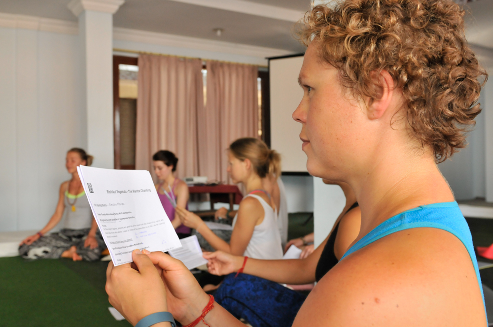 live seasoned yoga teacher training rishikul -4-2