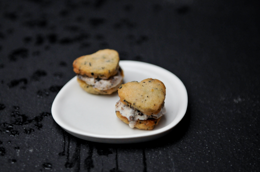 live seasoned winter 15 earl grey tea cookie ice cream sandwiches-1